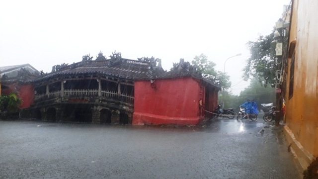 Flooding near the iconic Japanese covered bridge in Hoi An