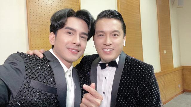 Đan Trường - Lam Trường song ca loạt hit tại Bán kết Hoa hậu Việt Nam 2020 - Ảnh 10.