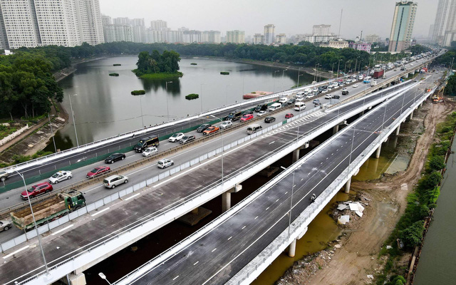The bridges are expected to ease congestion in the Linh Dam area.