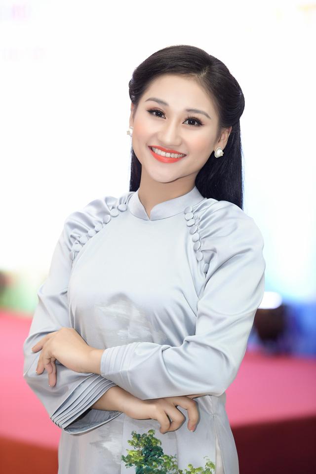 Cô gái trẻ xứ Nghệ giành Á quân Giọng hát hay Hà Nội 2020 - Ảnh 3.