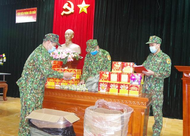 Lạng Sơn bắt vụ vận chuyển pháo nổ trái phép qua biên giới - Ảnh 1.