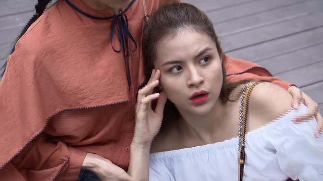 Lửa ấm - Tập 8: Minh bị nữ nạn nhân đeo bám, gửi tin nhắn hẹn hò giữa đêm khuya - Ảnh 4.