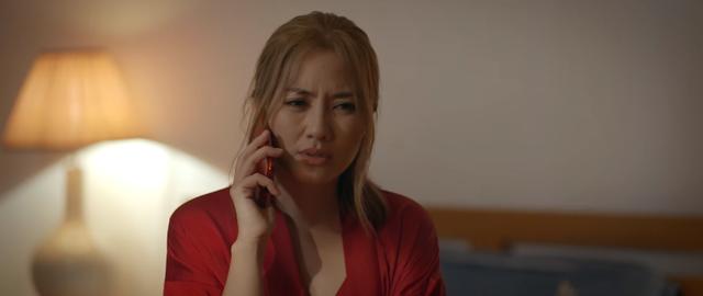 Trói buộc yêu thương - Tập 11: Dung giúp chồng nói dối mà chẳng hề biết Khánh đang điên tình - ảnh 4