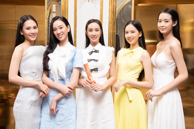 Top 35 Hoa hậu Việt Nam 2020 bước vào hành trình đầu tiên – Người đẹp Nhân ái - Ảnh 1.