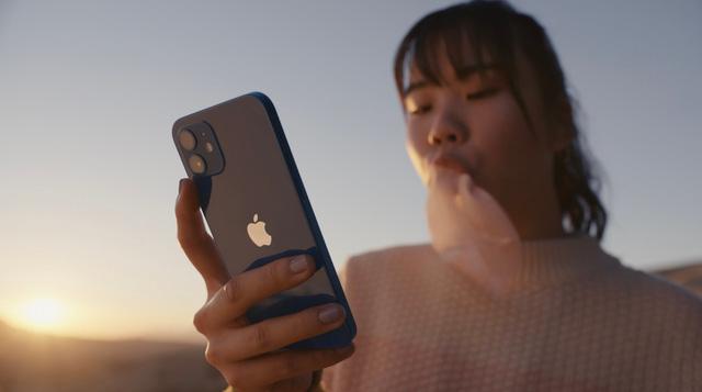 iPhone 12 mini - Con tim khổng lồ trong vóc dáng tí hon - Ảnh 1.