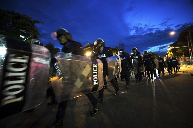Biểu tình kéo dài 3 tháng, Thái Lan thực thi sắc lệnh tình trạng khẩn cấp tại thủ đô Bangkok - Ảnh 7.