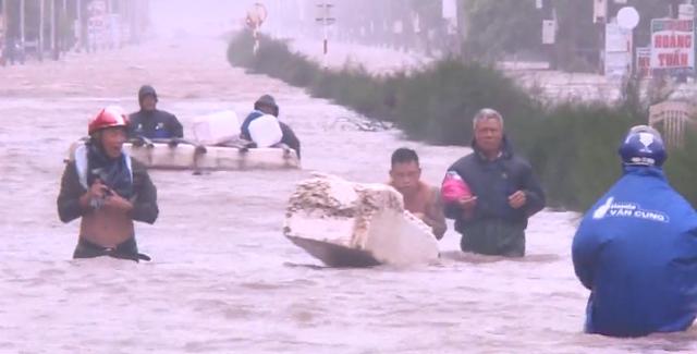 Nam Định mưa lớn gây ngập cục bộ - Ảnh 3.