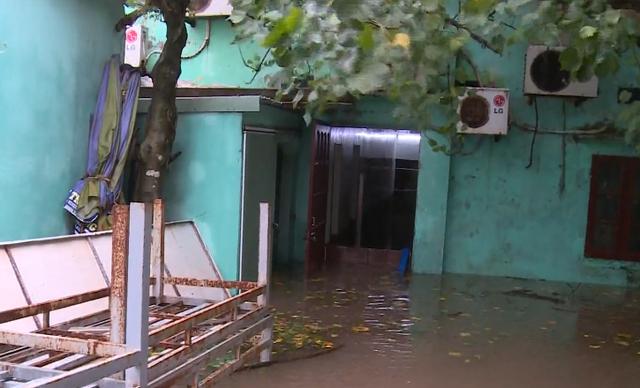 Nam Định mưa lớn gây ngập cục bộ - Ảnh 2.