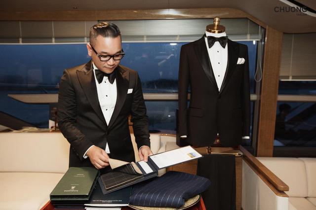 Chương Tailor ra mắt bộ suit với sợi vàng 24K trong dạ tiệc quy tụ nhiều sao Việt - Ảnh 1.