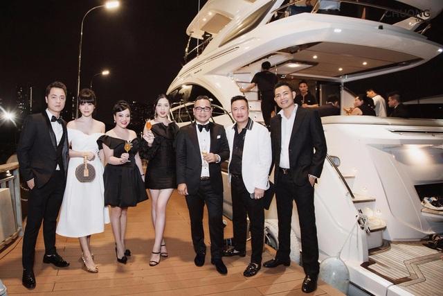 Chương Tailor ra mắt bộ suit với sợi vàng 24K trong dạ tiệc quy tụ nhiều sao Việt - Ảnh 3.