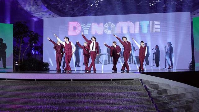 BTS lần thứ 4 liên tiếp giành giải tại Billboard Music Awards - Ảnh 1.
