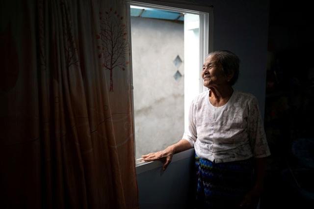 Cụ bà trăm tuổi chiến thắng COVID-19 - ảnh 1
