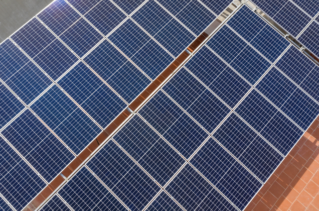 Giá trị lợi ích, xanh hoá chiến lược kinh doanh từ điện mặt trời áp mái - Ảnh 2.