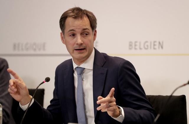 Bỉ ban bố lệnh giới nghiêm, đóng cửa các quán bar, nhà hàng - Ảnh 1.