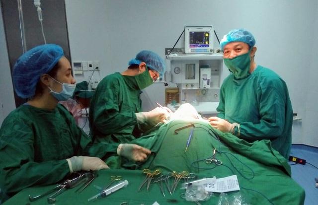 Điều trị kịp thời cho một bệnh nhân mắc hậu bối - Ảnh 1.