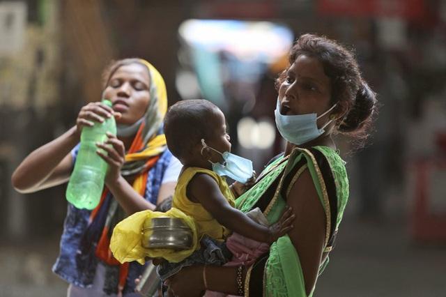 Ấn Độ xác định 300 triệu người được ưu tiên tiêm vaccine COVID-19 - Ảnh 1.