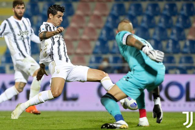 Crotone 1-1 Juventus: Dấu ấn trái ngược của những tân binh! - Ảnh 2.