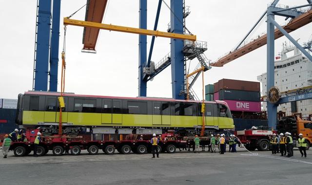 Cận cảnh tàu metro đầu tiên của Hà Nội chuẩn bị đưa vào lắp ráp chạy thử - Ảnh 9.