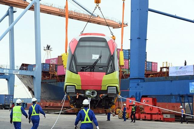 Cận cảnh tàu metro đầu tiên của Hà Nội chuẩn bị đưa vào lắp ráp chạy thử - Ảnh 7.
