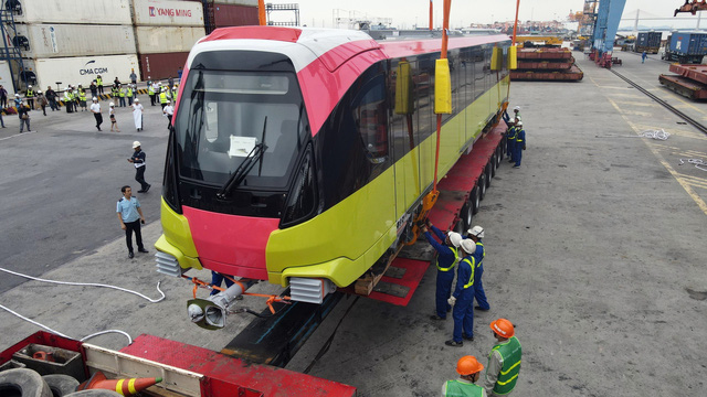 Cận cảnh tàu metro đầu tiên của Hà Nội chuẩn bị đưa vào lắp ráp chạy thử - Ảnh 6.