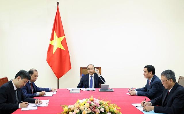 Tân Thủ tướng Nhật Bản và Phu nhân bắt đầu thăm chính thức Việt Nam - Ảnh 3.