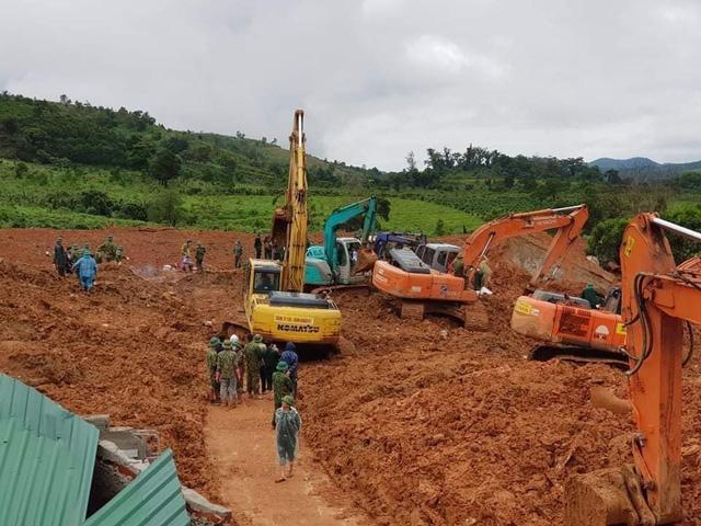 40 giờ khẩn trương tìm kiếm 22 nạn nhân sạt lở đất ở Hướng Hóa - Quảng Trị - Ảnh 9.