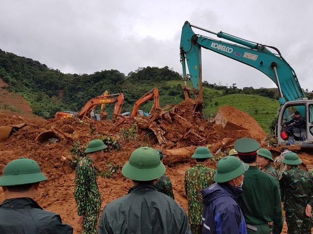 40 giờ khẩn trương tìm kiếm 22 nạn nhân sạt lở đất ở Hướng Hóa - Quảng Trị - Ảnh 13.