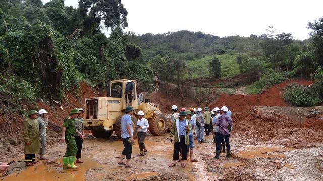 40 giờ khẩn trương tìm kiếm 22 nạn nhân sạt lở đất ở Hướng Hóa - Quảng Trị - Ảnh 6.