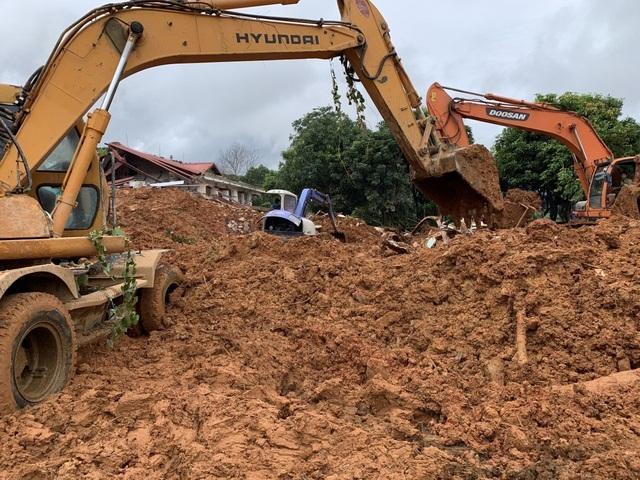 40 giờ khẩn trương tìm kiếm 22 nạn nhân sạt lở đất ở Hướng Hóa - Quảng Trị - Ảnh 4.