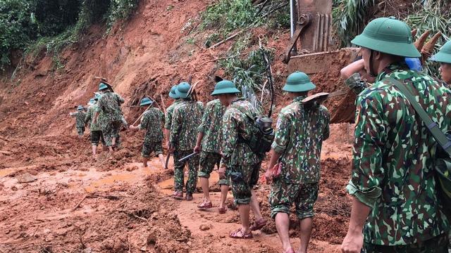 40 giờ khẩn trương tìm kiếm 22 nạn nhân sạt lở đất ở Hướng Hóa - Quảng Trị - Ảnh 3.
