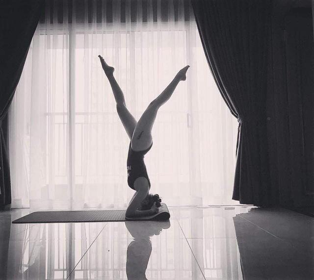 Tròn mắt trước loạt ảnh Yoga của Chi Pu, Thiều Bảo Trâm và các sao Việt - Ảnh 16.