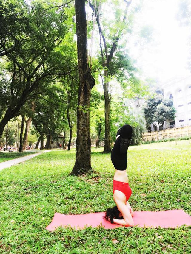 Tròn mắt trước loạt ảnh Yoga của Chi Pu, Thiều Bảo Trâm và các sao Việt - Ảnh 18.