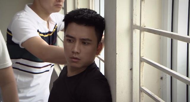 Lửa  ấm - Tập 14: Kha (Khánh Ngọc) nhất quyết đeo bám Hoàng (Mạnh Quân) - Ảnh 2.