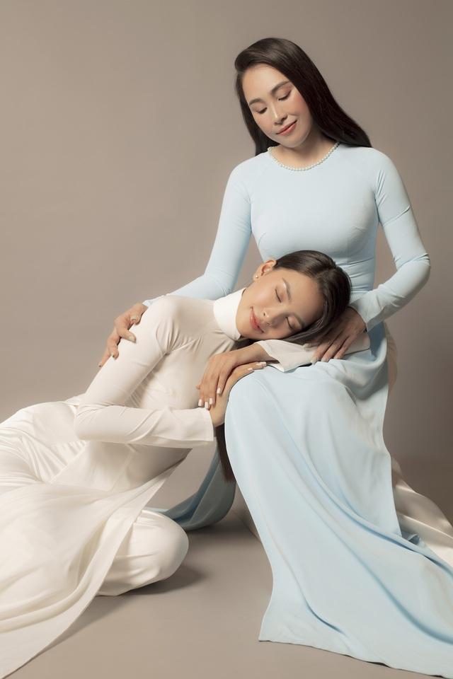 Hoa hậu Tiểu Vy khoe bộ ảnh bên mẹ nhân ngày 20/10 - Ảnh 7.