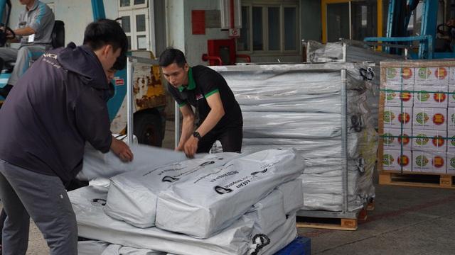 Trung tâm điều phối ASEAN viện trợ bộ sửa chữa nhà cửa, bộ nhà bếp đến Huế và Quảng Trị - Ảnh 3.