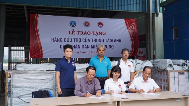 Trung tâm điều phối ASEAN viện trợ bộ sửa chữa nhà cửa, bộ nhà bếp đến Huế và Quảng Trị - Ảnh 1.