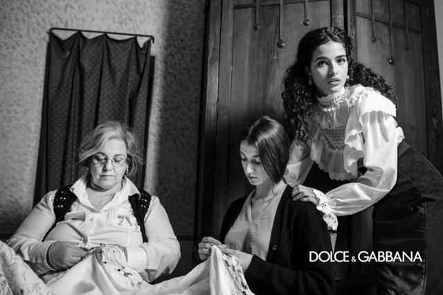 Dolce & Gabbana Thu đông 2020 tôn vinh tính truyền thống - Ảnh 1.