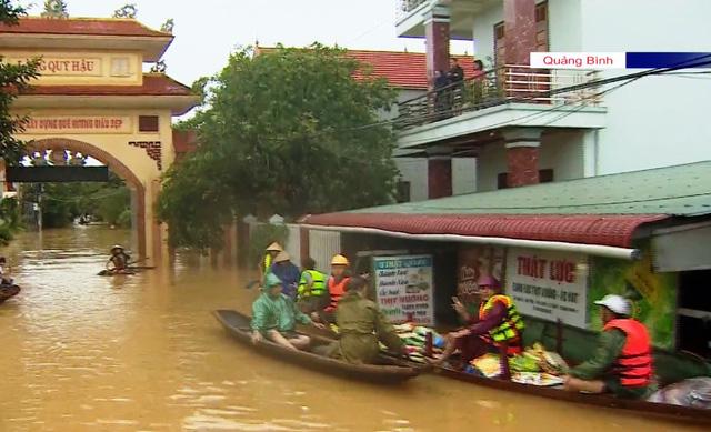 Quảng Bình thiếu phương tiện cứu trợ đường thủy - Ảnh 2.