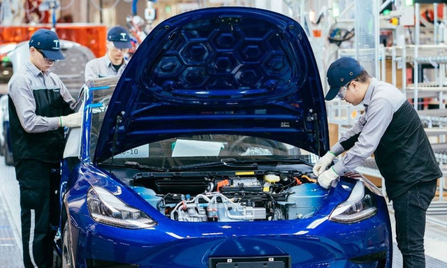 Tesla xuất khẩu ô tô sản xuất tại Trung Quốc sang châu Âu - Ảnh 1.