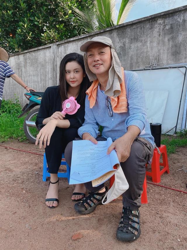 Ngắm vẻ xinh đẹp từ mọi góc nhìn của Trương Quỳnh Anh trong hậu trường Trói buộc yêu thương - Ảnh 1.