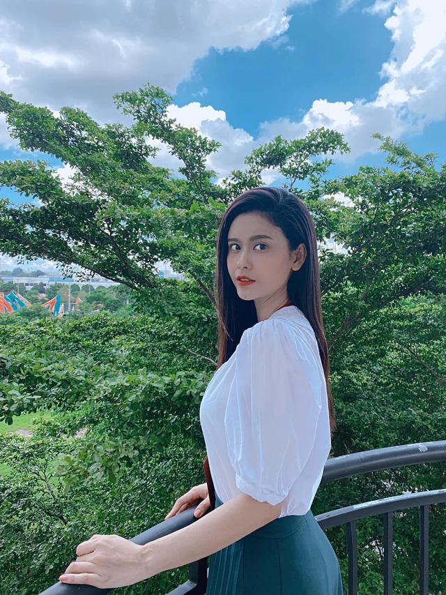 Ngắm vẻ xinh đẹp từ mọi góc nhìn của Trương Quỳnh Anh trong hậu trường Trói buộc yêu thương - Ảnh 3.
