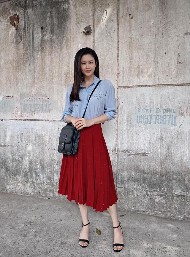 Ngắm vẻ xinh đẹp từ mọi góc nhìn của Trương Quỳnh Anh trong hậu trường Trói buộc yêu thương - Ảnh 11.