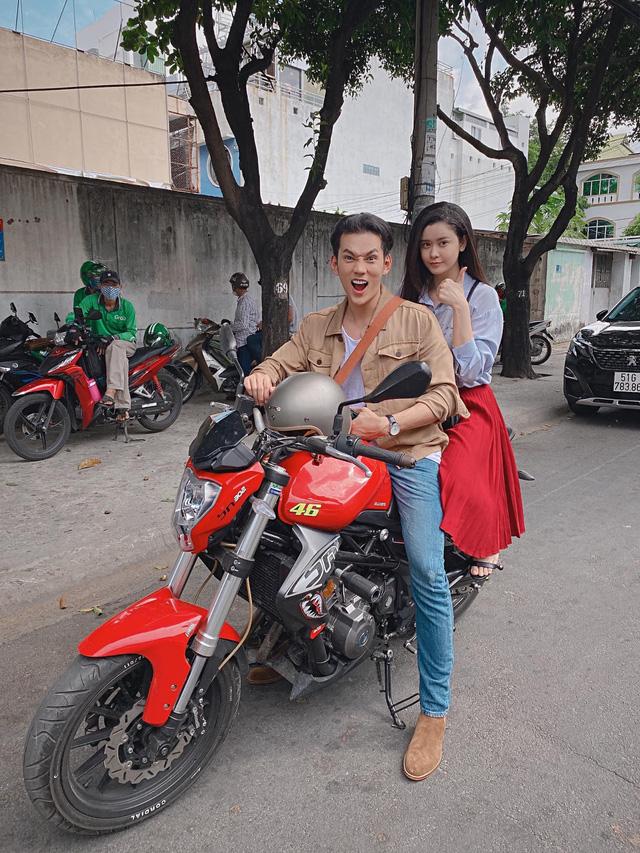 Ngắm vẻ xinh đẹp từ mọi góc nhìn của Trương Quỳnh Anh trong hậu trường Trói buộc yêu thương - Ảnh 12.