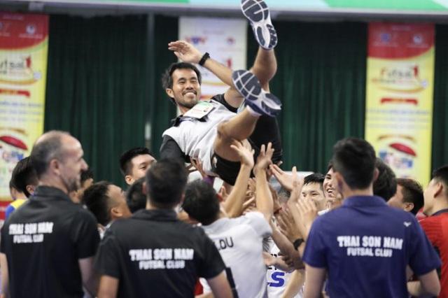 Giải Futsal VĐQG 2020: Thái Sơn Nam vô địch, Savinest Sanatech Khánh Hòa xếp hạng 3 sau lượt trận cuối - Ảnh 2.