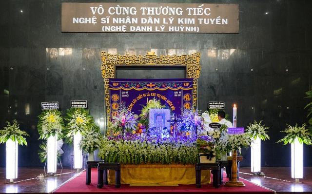 Nghệ sĩ Việt tiếc thương trước sự ra đi của NSND Lý Huỳnh - Ảnh 1.