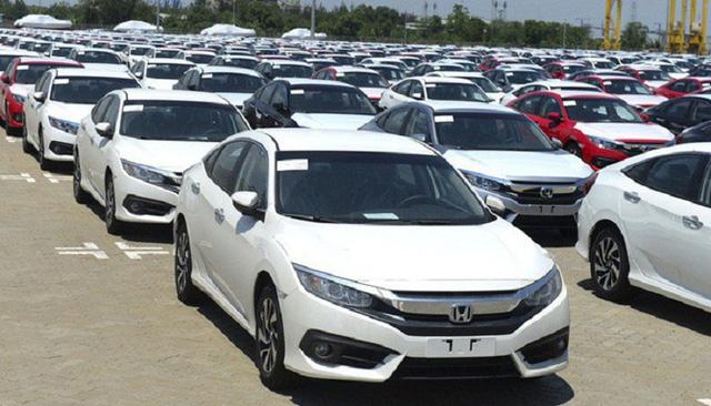 Nhập khẩu hơn 7.000 ô tô nguyên chiếc trong nửa đầu tháng 10 - Ảnh 1.