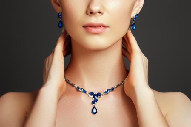 5 loại trang sức bằng đá quý phụ nữ nên có - ảnh 2