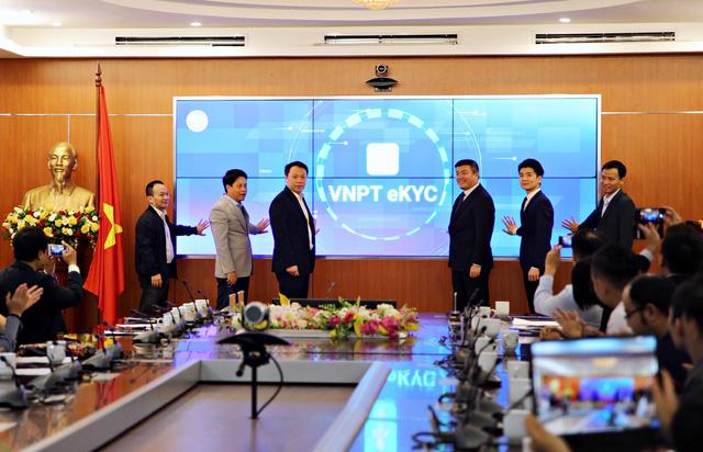Ra mắt nền tảng định danh điện tử Make in Vietnam VNPT eKYC - ảnh 1