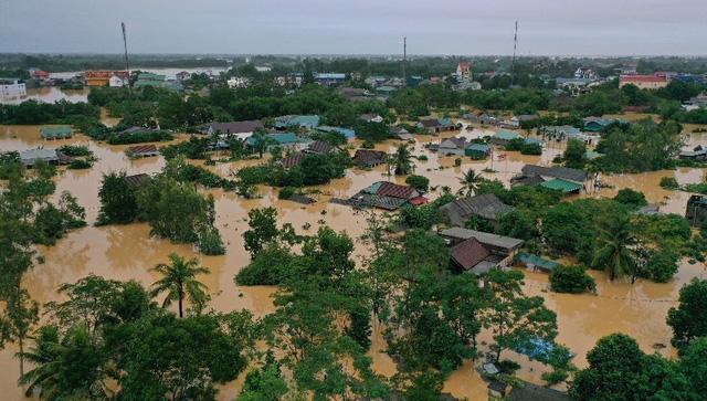 Khoảng 7 triệu người dân miền Trung đang sống ở nơi thiếu an toàn - Ảnh 2.
