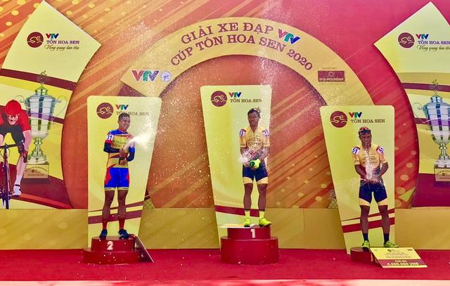 [Kết thúc] Chặng khai mạc giải Xe đạp VTV - Cúp Tôn Hoa Sen 2020: Lê Nguyệt Minh giành chiến thắng chặng mở màn - Ảnh 2.